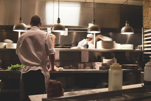 Fast Food Restaurant for Sale/ Fully Equipped Kitchen