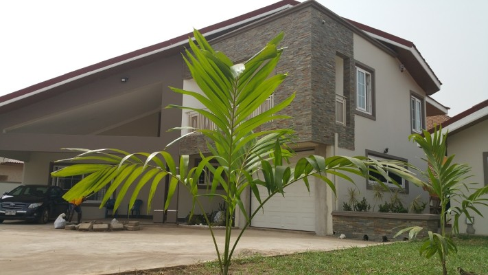 4 Bedrooms House To Let At East Airport Accra