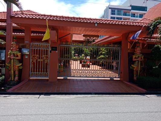 Resort for Sale with 9 Units in Pattaya