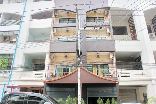 Freehold Guest House for Sale in Pattaya, Thailand