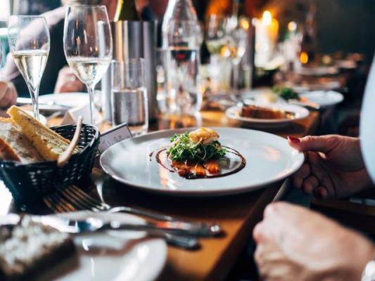 Modern Aesthetic Restaurant in Popular New Area