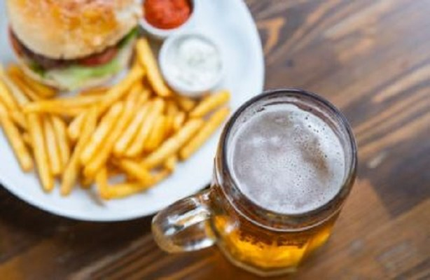 Restaurant w/ Full Liquor License