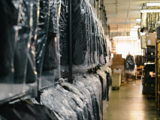 Green Dry Cleaners & Alterations-Desirable Loc.