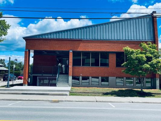 Entire or Local Building for Rent Rivière-Rouge