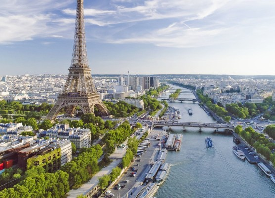 Luxury Hotels in the Heart of Paris, France