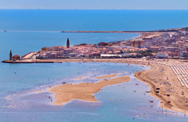 Hotel for Sale Near the Beach in Caorle