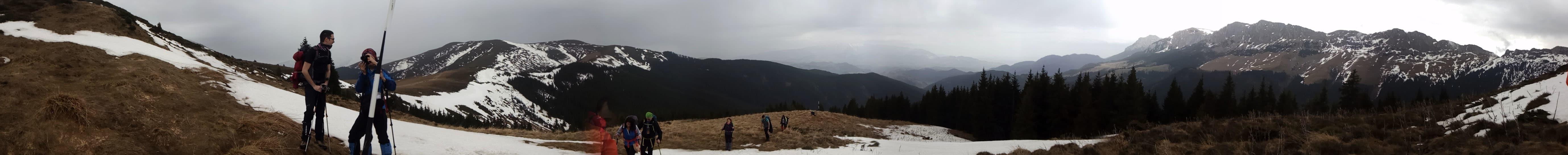 Panorama din apropiere de Varful Bucsa Muntii Bucegi Saua Strunga