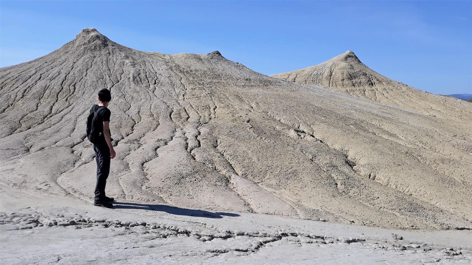 Vulcanii Noroiosi, Paclele Mari si Paclele Mici