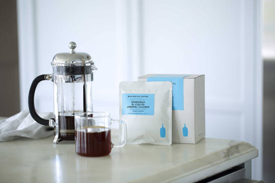 Bag of whole bean Honduras El Cielito Jobneel Caceres coffee, roasted by Blue Bottle Coffee