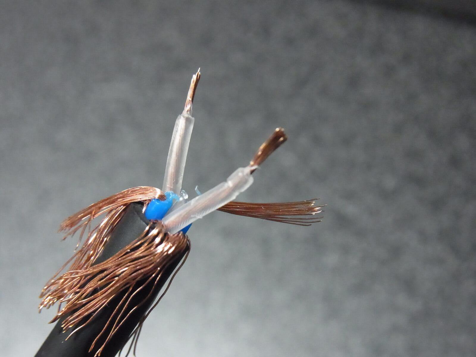 Mogami 2534 芯線