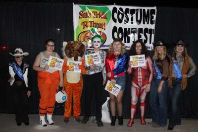 Costume-Contest-4.jpg