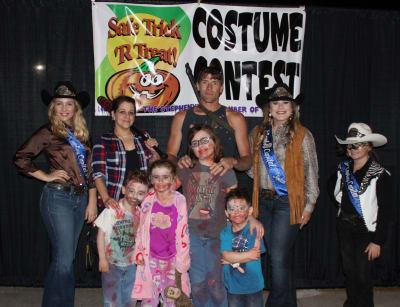 Costume-Contest-6.jpg