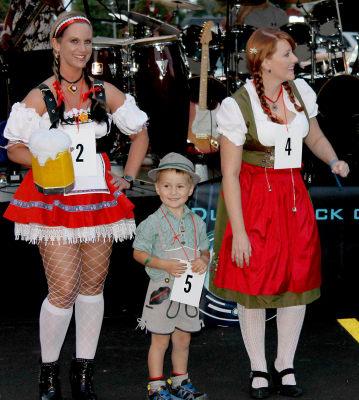 Oktoberfest_costume.jpg