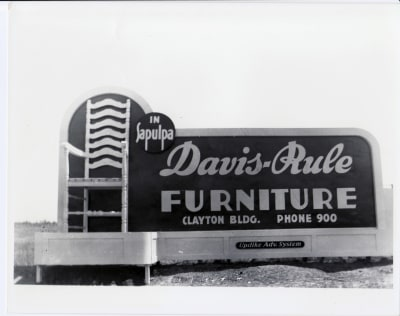 DavisRulesign.jpg