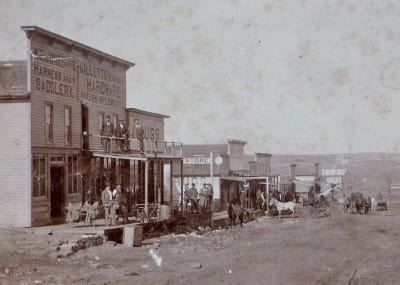 Old-town-North-west-side-of-Main-SAPULPA.jpg