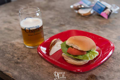 DawnAielloPhotography.Burgers.Brews.19-74.jpg