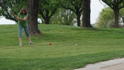 2018-Golf-Dee-teeing-off.JPG