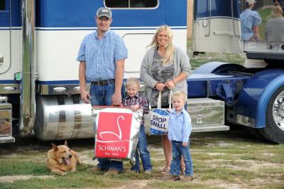 2020-NE-Truckers-Association-family.jpg
