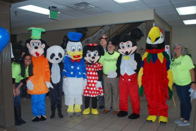 Mascots_3-with-some-KidsFest-Staff.jpg