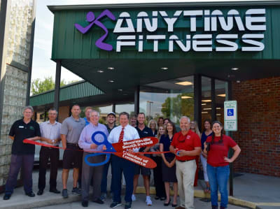 Anytime-Fitness-Ribbon-Cutting.jpg