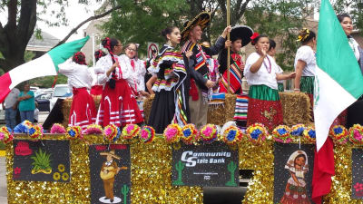 fiesta-day-parade-sterling-rock-falls-svacc-3.jpg