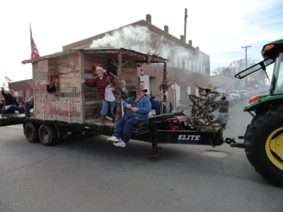 1st_place_Float_Winner_Christmas_Parade_2015.jpg