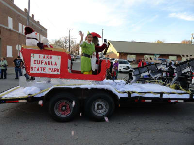 2nd_place_Float_Winner_Christmas_Parade_2015.jpg