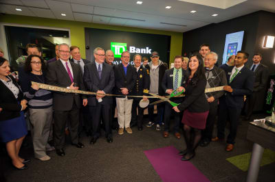WBCC-TDBank-RibbonCutting-031016-040.jpg