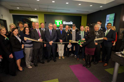 WBCC-TDBank-RibbonCutting-031016-042.jpg