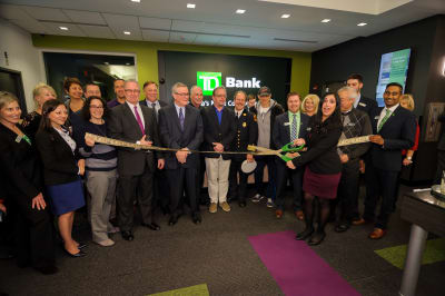 WBCC-TDBank-RibbonCutting-031016-043.jpg