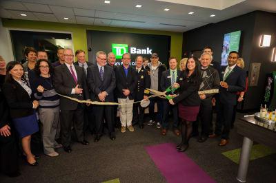WBCC-TDBank-RibbonCutting-031016-044.jpg