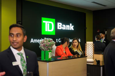 WBCC-TDBank-RibbonCutting-031016-053.jpg