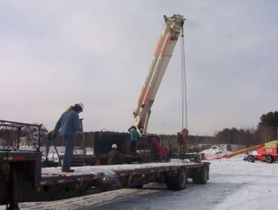 02-04-08_Bancroft_brings_the_crane.jpg