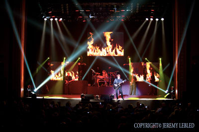 George-Thorogood-Lights.jpg