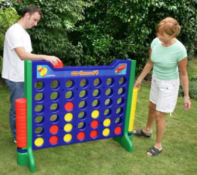 giant-connect-4-0-640x480.jpg
