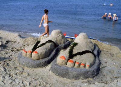 Sandcastle-Contest-Sandles.jpg