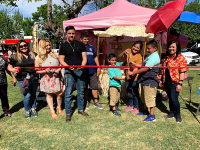 Kimmy-Delicious-Creations_ribboncutting2.jpg