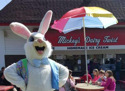 Bunny-at-Mickeys.jpg