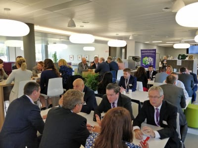Speed-Networking-at-Mallinckrodt-11.jpg