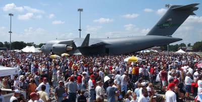 Airshow-Big-Crowd-w1180.jpg