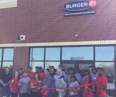 Burger_21_Ribbon_Cutting_Final.JPG