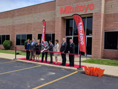 Mitutoyo-Ribbon-Cutting_1.jpg