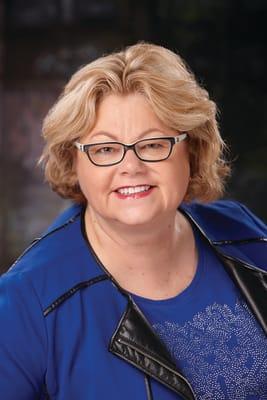 Julie-Holt.jpg