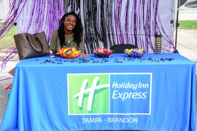 Holiday-Inn-Express.jpg