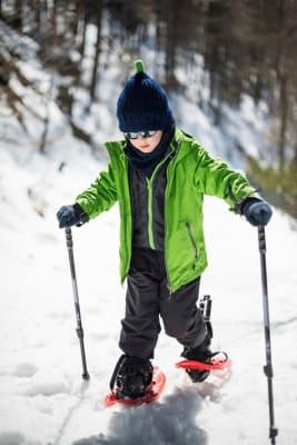 Snowshoeing-w906.jpg