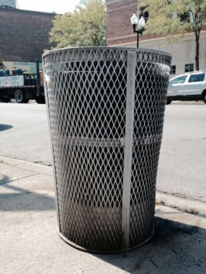 Wire_Trashcan.jpg