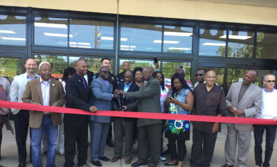 Cash-n-Carry-Ribbon-Cutting-w1920.jpg