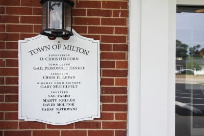Town-of-Milton-sign.jpg