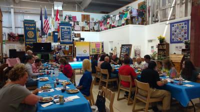 Rotary-Luncheon-w2672.jpg