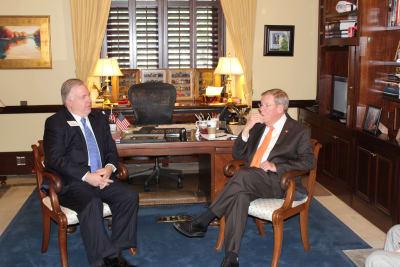 Senator_Isakson_Photo2.jpg